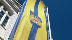 strasburg-fahne-vor-rathaus-ausschnitt